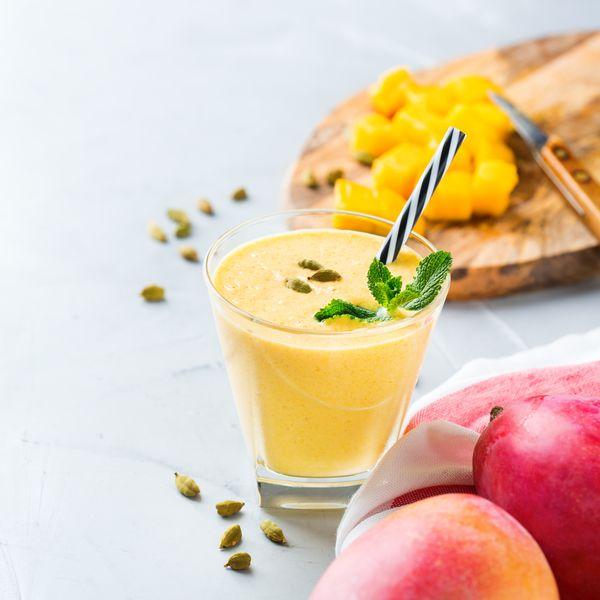 Veganes Mango Lassi